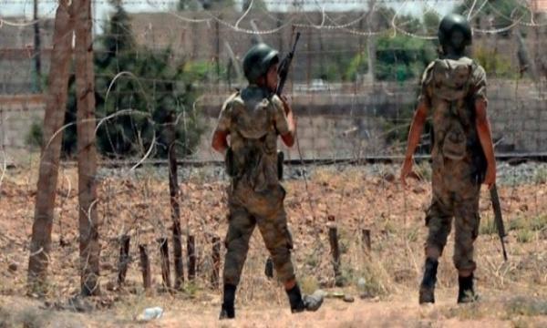 Hunderte islamistische Kämpfer überschreiten türkische Grenze nach Azaz