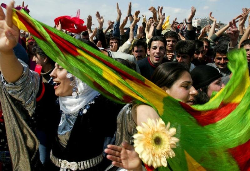 Eindrücke vom Aufbau revolutionärer Kultur und Bildung in Nordsyrien