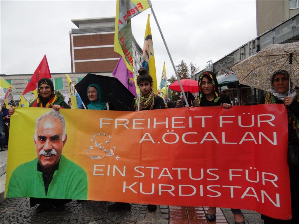 """Langer Marsch """"Freiheit für Öcalan – Verteidigt die Revolution in Kurdistan"""" im Februar 2018"""